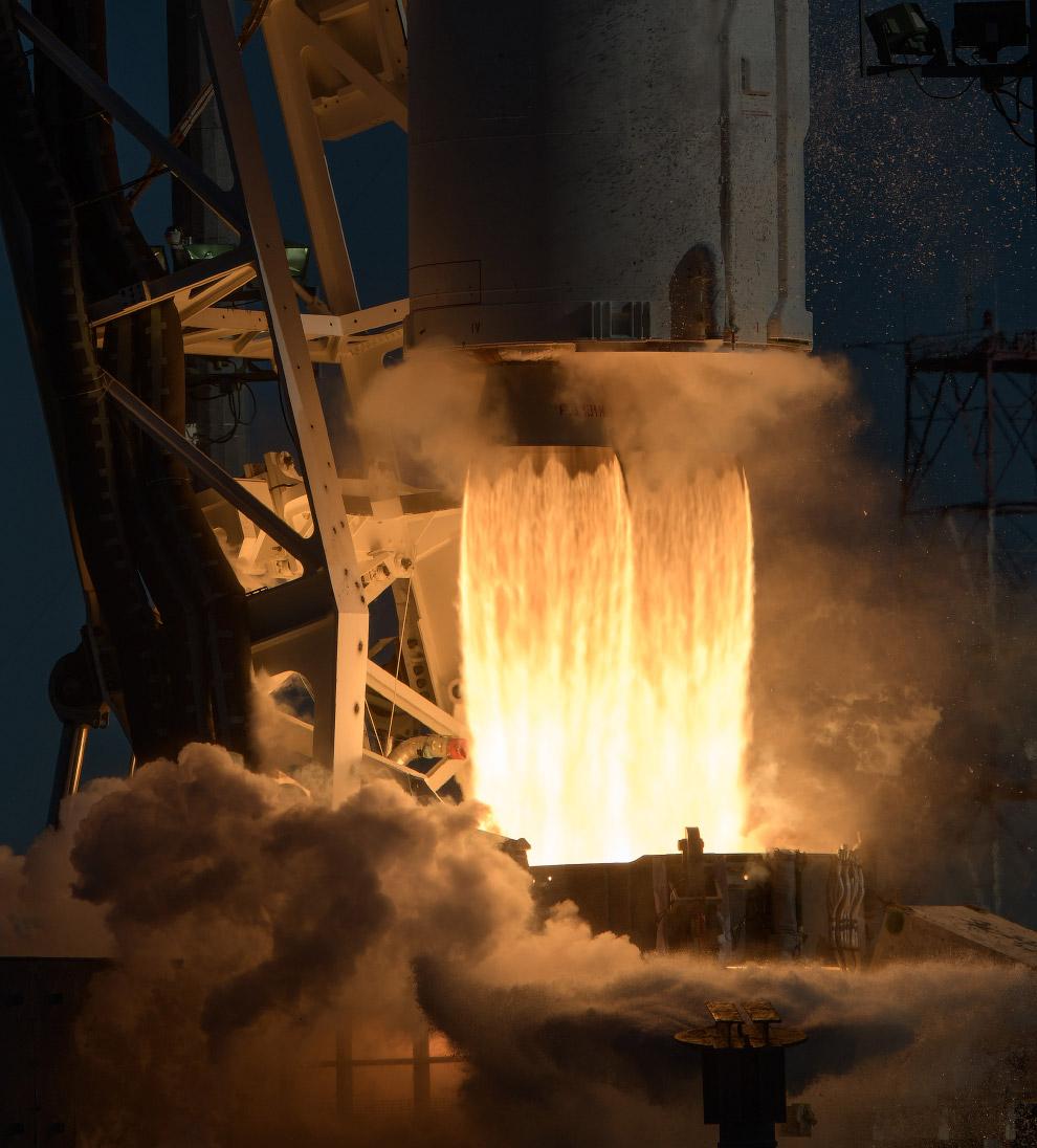 Снимки со старта американской ракеты Antares