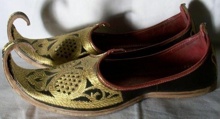 Зачем на Востоке загибали кончики обуви