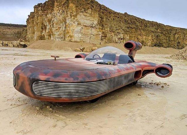 Парень собрал копию транспортного средства из «Звездных войн»