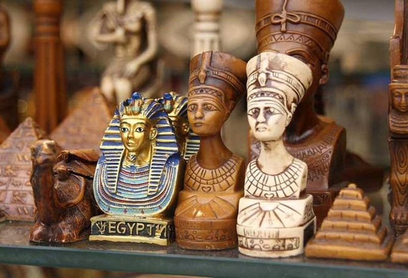 Популярные сувениры из разных стран мира
