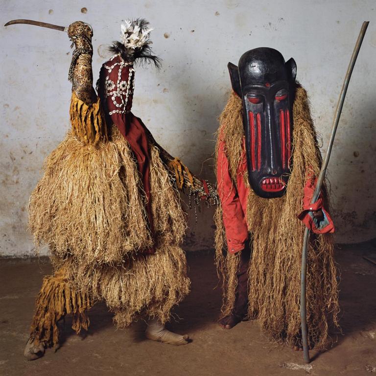 Современные культовые маски из стран Африки и Мексики