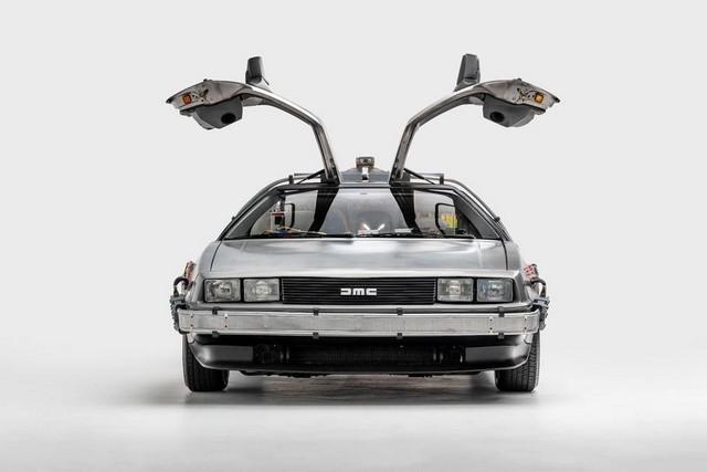 DeLorean возобновляет производство легендарных DMC-12