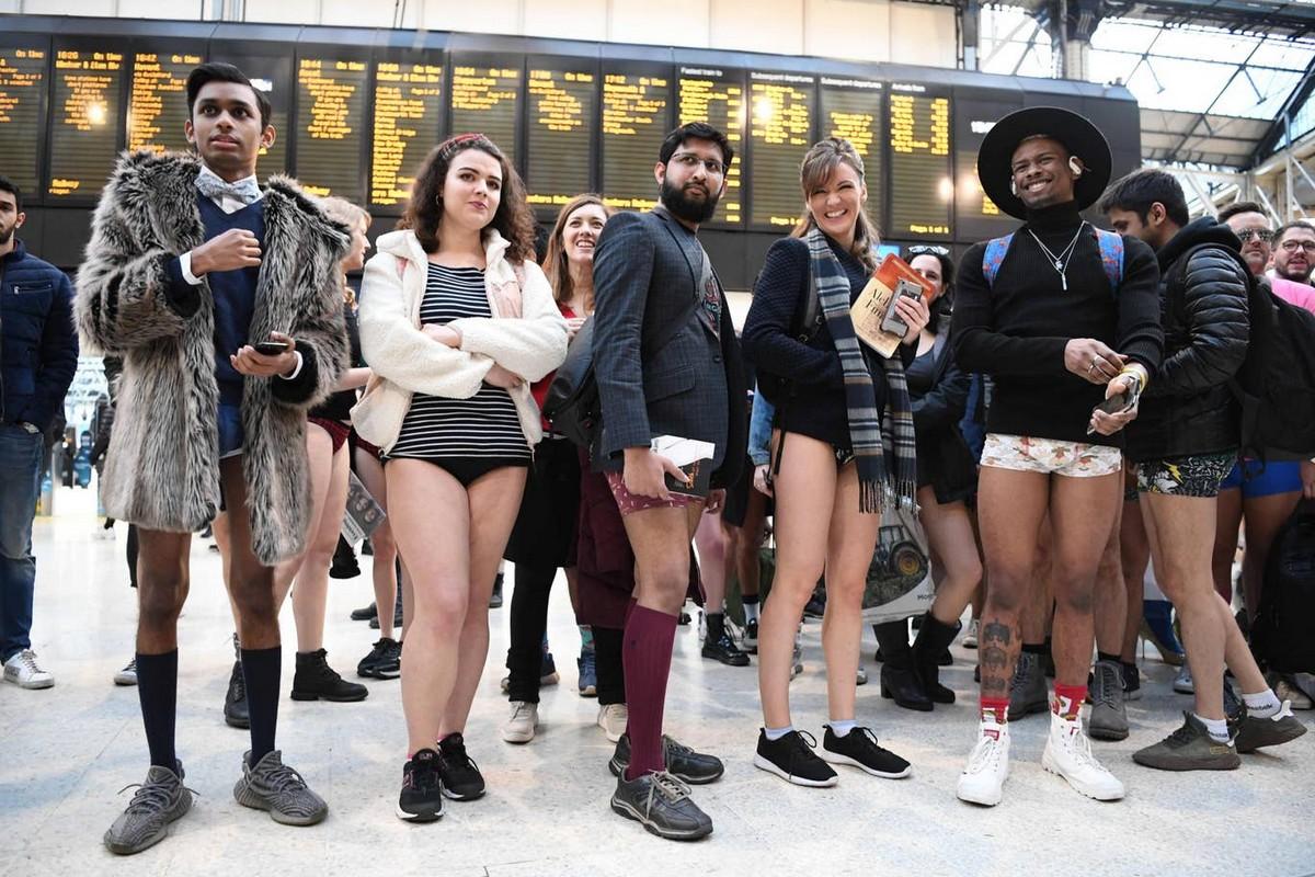 Ежегодная международная акция «В метро без штанов 2020»