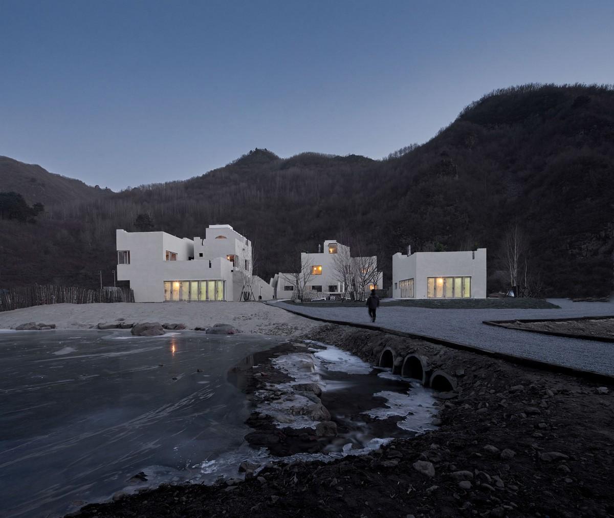 Отель «Небесный двор долины Рехе» в Китае