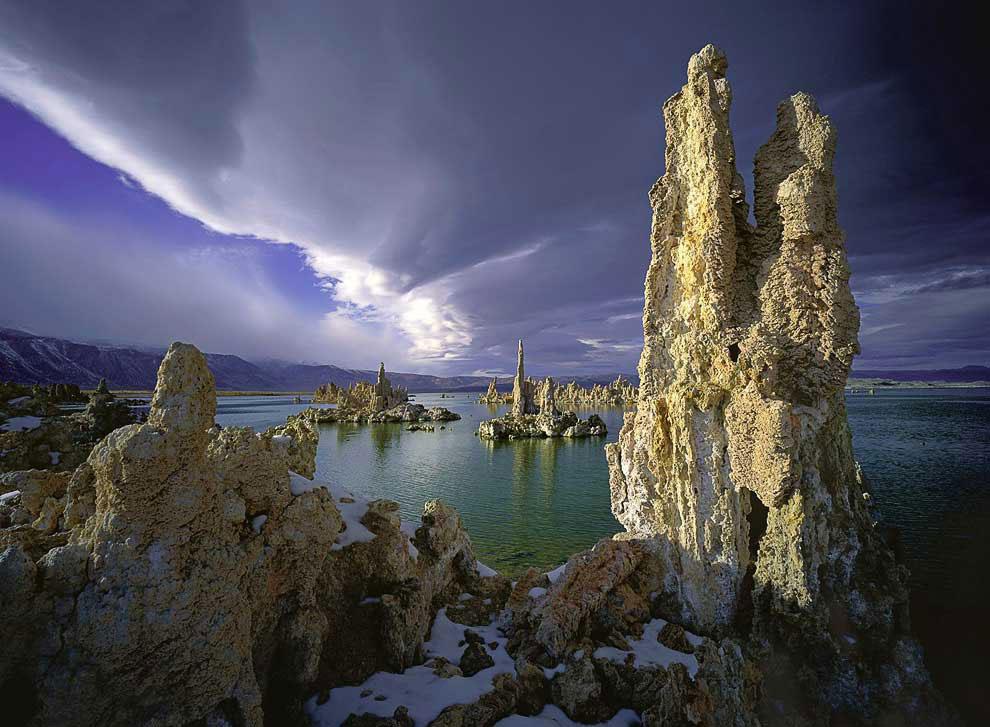 Волшебное озеро Моно в Калифорнии