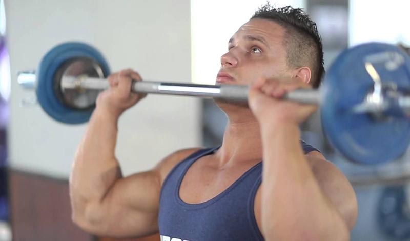 5 лучших упражнений для мощных плеч