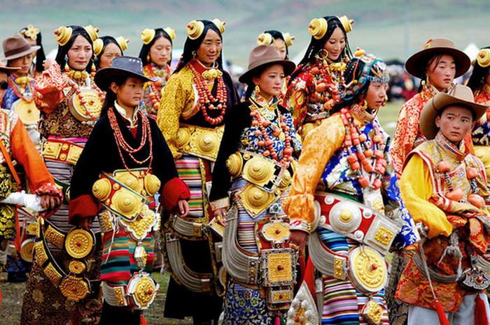 Этнические украшения женщин из разных уголков мира