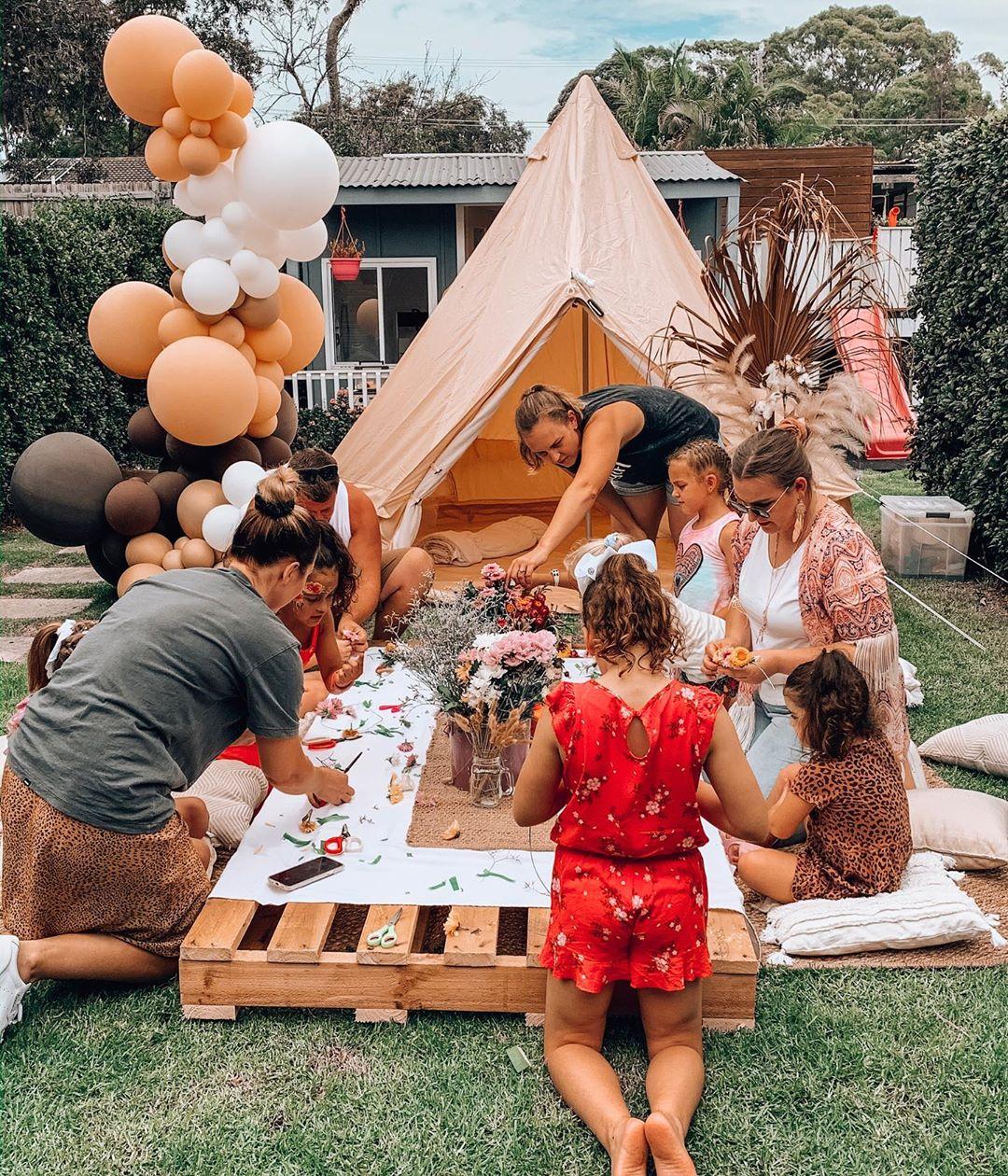 Мама устроила вечеринку в стиле «Kidchella» на 7-летие дочери