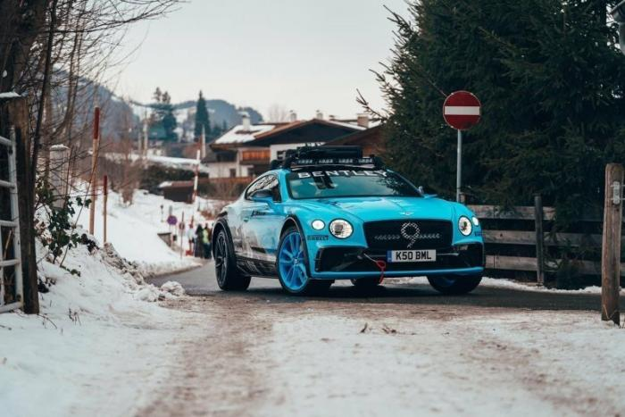 Необычное купе Bentley Continental GT Bomber Edition