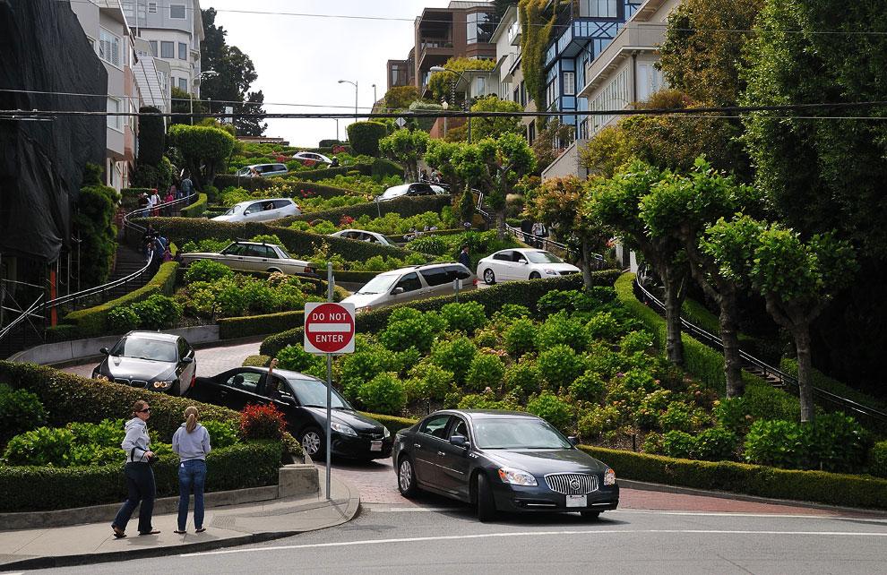 Прогулка по самой знаменитой кривой улице в мире
