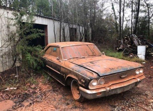 Ford Galaxie 1963 года, который долго пробыл в карьере