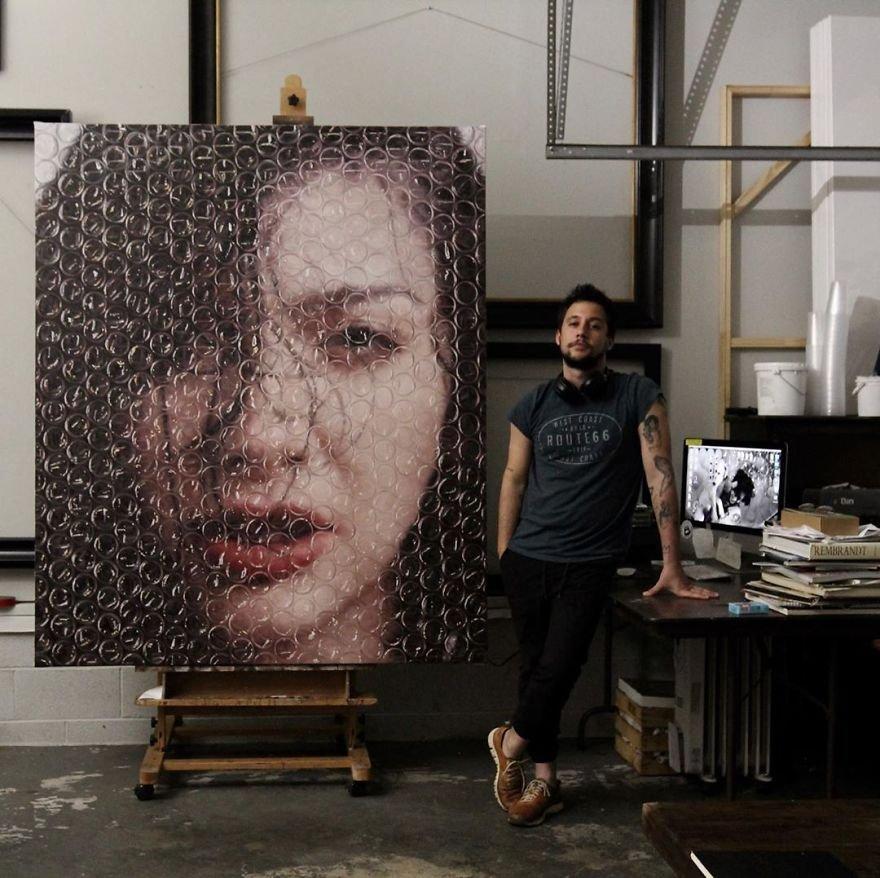Картины в пузырчатой плёнке от талантливого художника