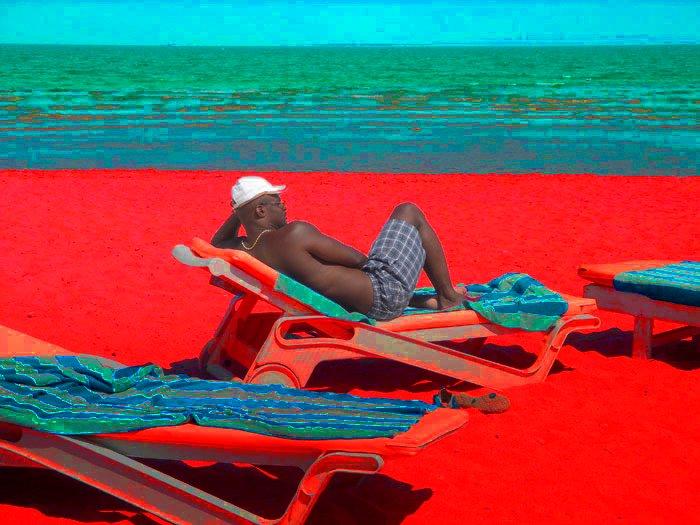 Может ли темнокожий человек обгореть на солнце?