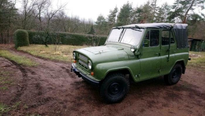 Военный УАЗ 1986 года выставили на продажу в Германии