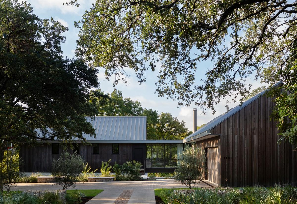 Деревянный дом с эстетикой ранчо в США