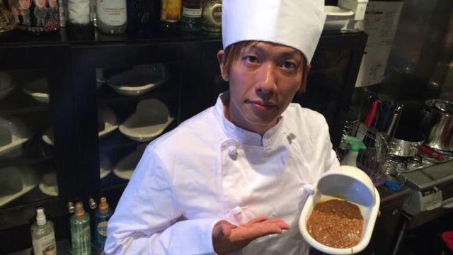 Ресторан японского порноактера, который угощает неаппетитным блюдом