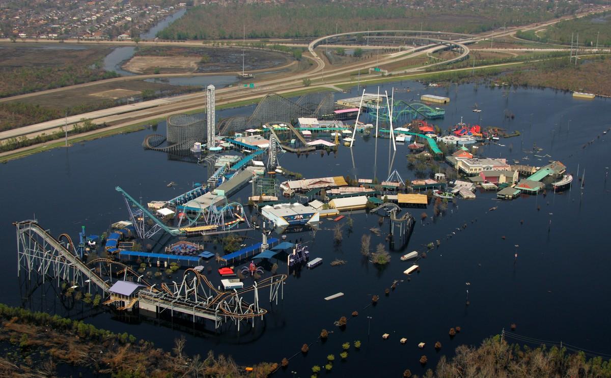 Заброшенный тематический парк в США, пострадавший из-за урагана Катрина