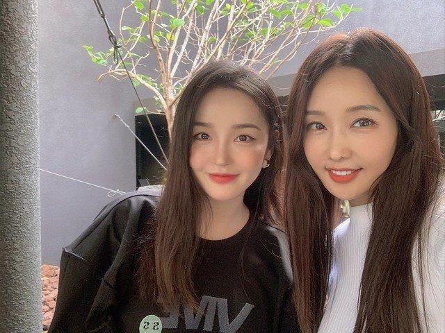 Молодая мать Ли Су Джин и ее дочь