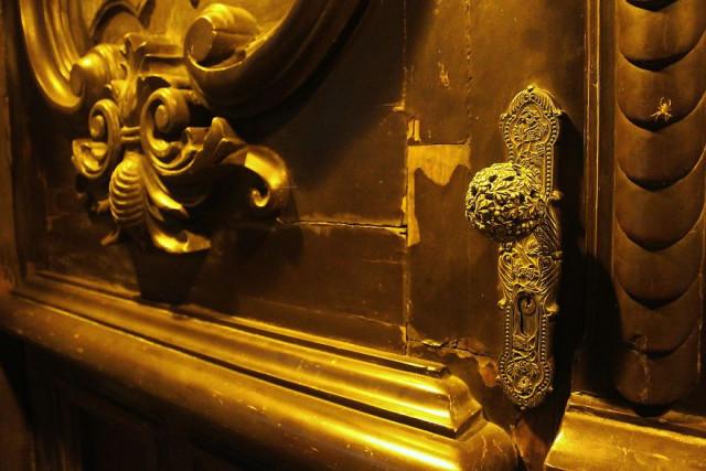Интригующие элементы мексиканских дверей