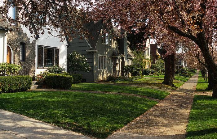 Почему в американском пригороде отсутствуют заборы