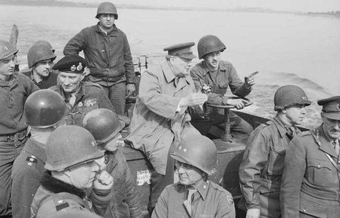 Чем закончились планы Черчилля по нападению на Советский Союз