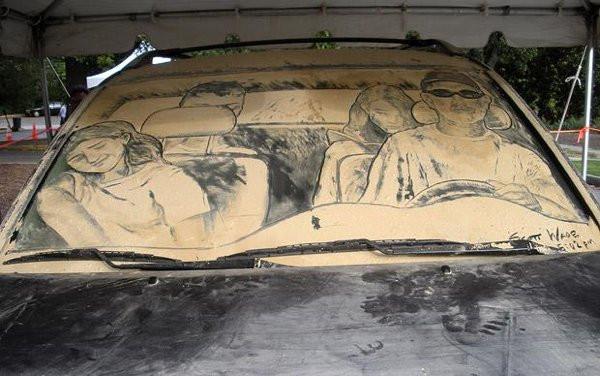 Рисунки на грязных автомобилях как произведения искусства