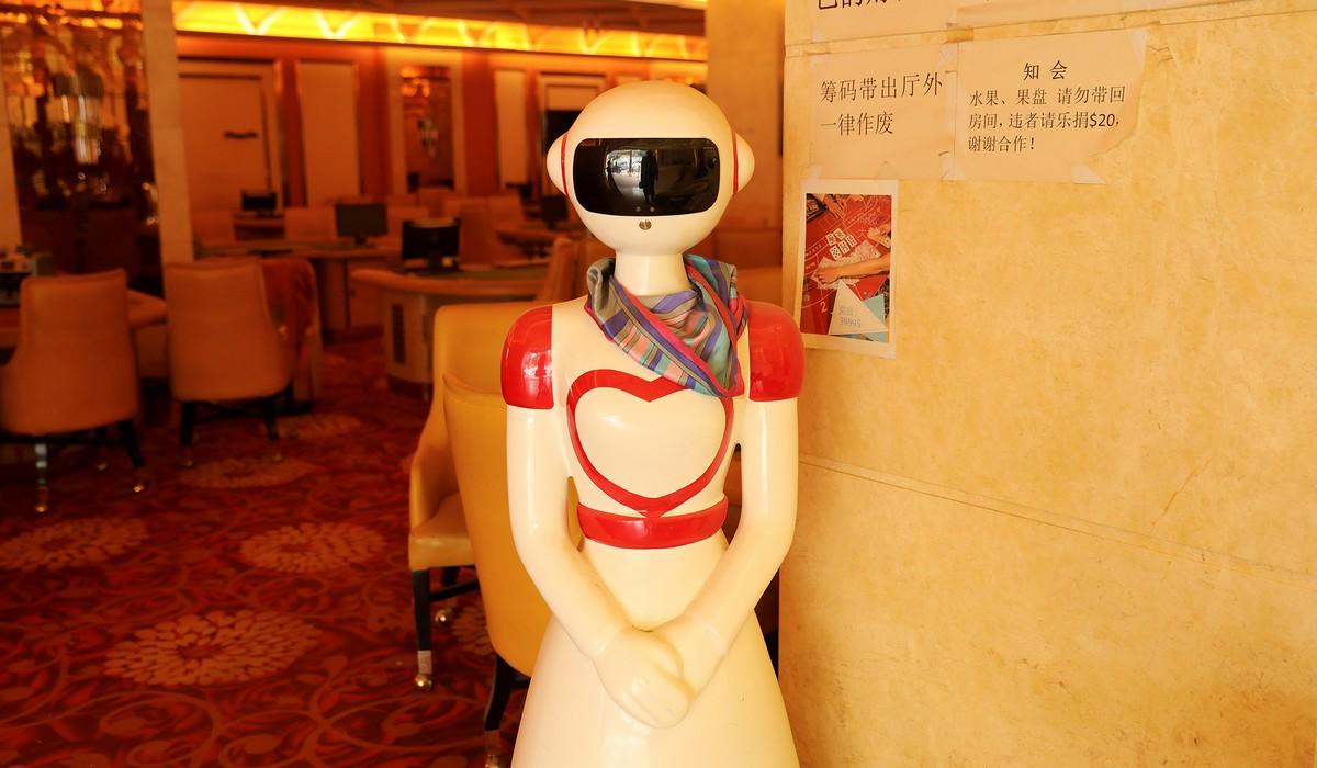 Роботы за работой на снимках из разных стран