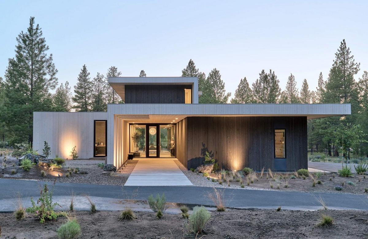 Семейный дом с видом на сосновый лес в США
