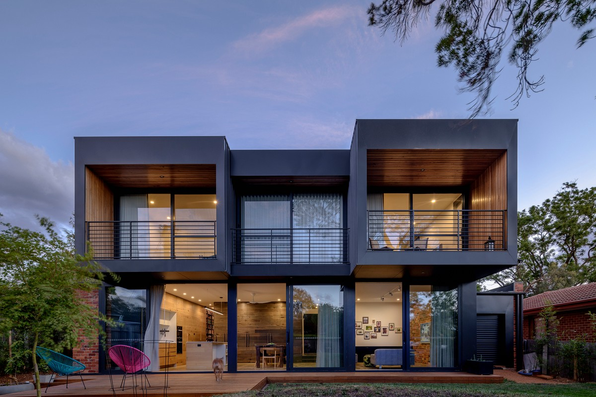 Современный двухэтажный дом в Австралии