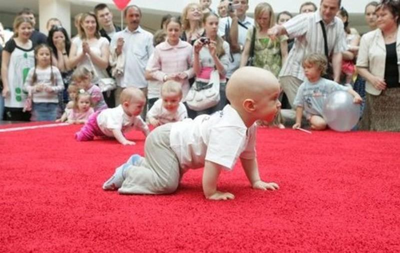 Странные и ужасающие ритуалы в честь новорожденного