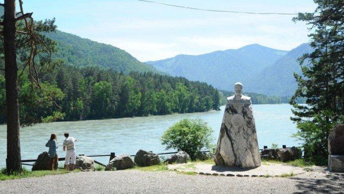 7 популярных туристических мест, где можно отдохнуть на Алтае