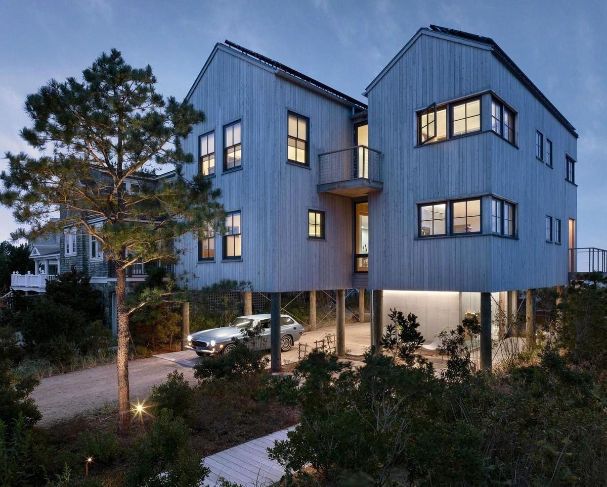 Дом на побережье океана в США