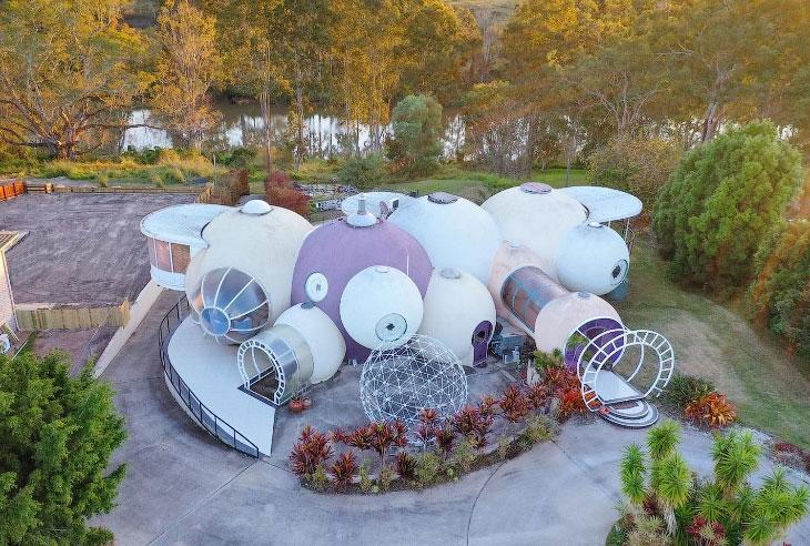 Футуристический дом из пузырей продается в Австралии