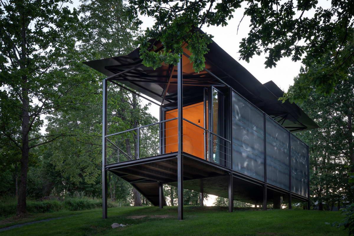 Металлический дом для отдыха в Литве