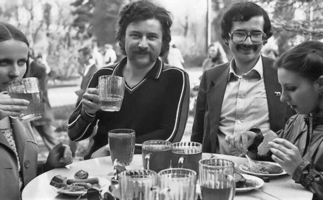 Пивные во времена СССР на снимках