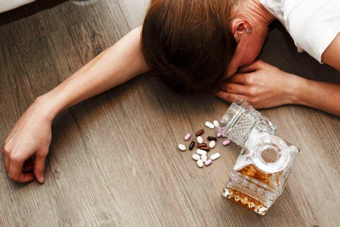 Почему алкоголь нельзя употреблять с антибиотиками?