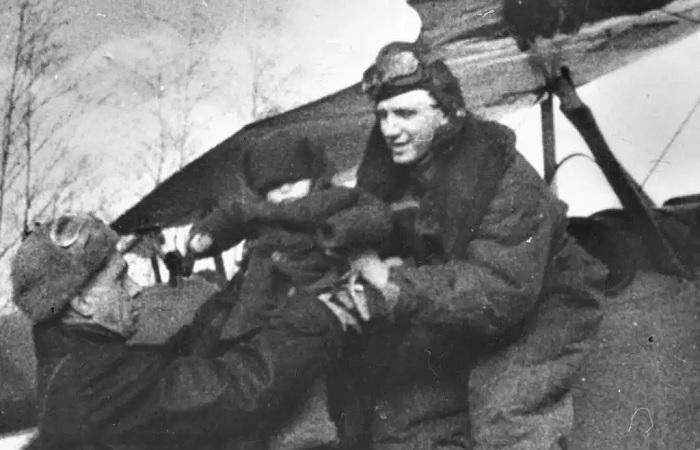 Подвиг советского лётчика, который спас детей в горящем самолёте