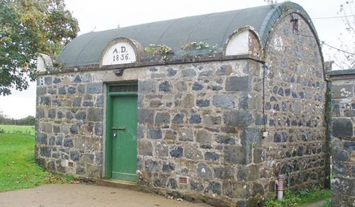 Самая маленькая тюрьма в мире и чем она знаменита