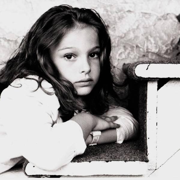 Знаменитости на своих детских фотографиях и сейчас