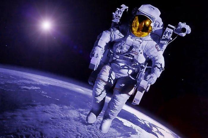 Как космонавты справляют нужду в космосе