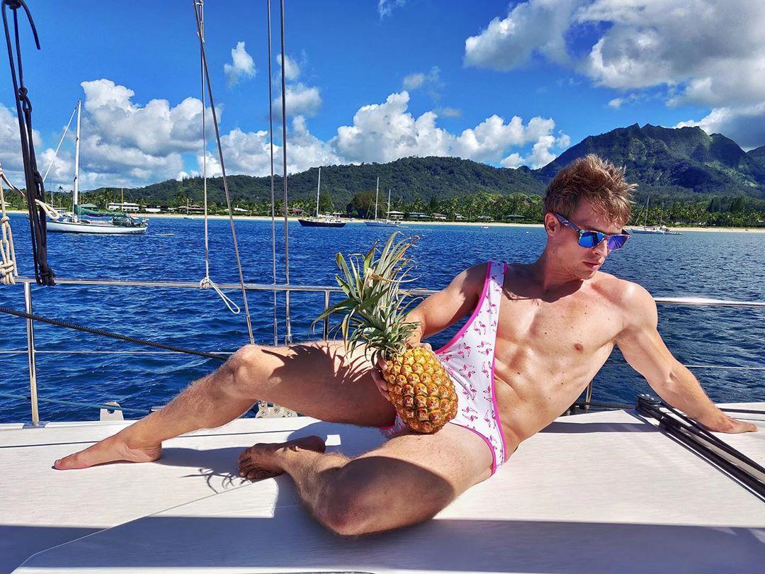 Мужские купальники Брокини — последний писк пляжной моды