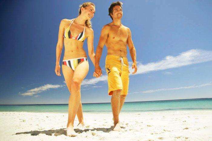 Почему среди женщин не принято ходить топлес?