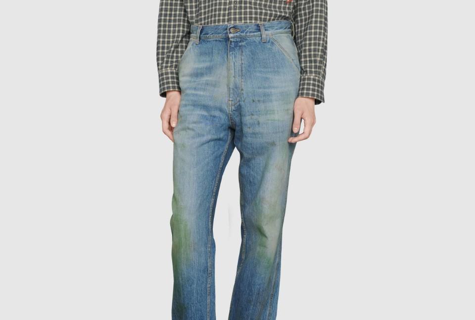 Gucci продаёт «грязные» джинсы с пятнами от травы
