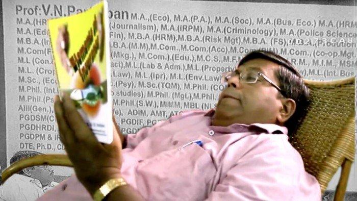 Индиец, который умудрился получить 145 дипломов