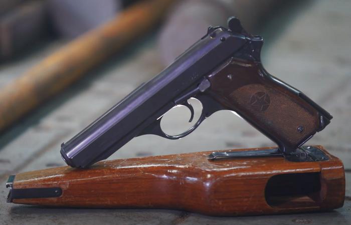 Из-за чего автоматический пистолет Калашникова сегодня не используется