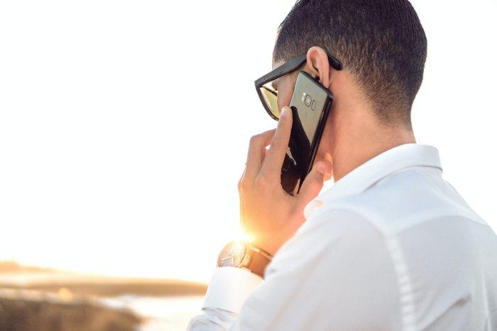 Как слово «Алло» стало телефонным приветствием