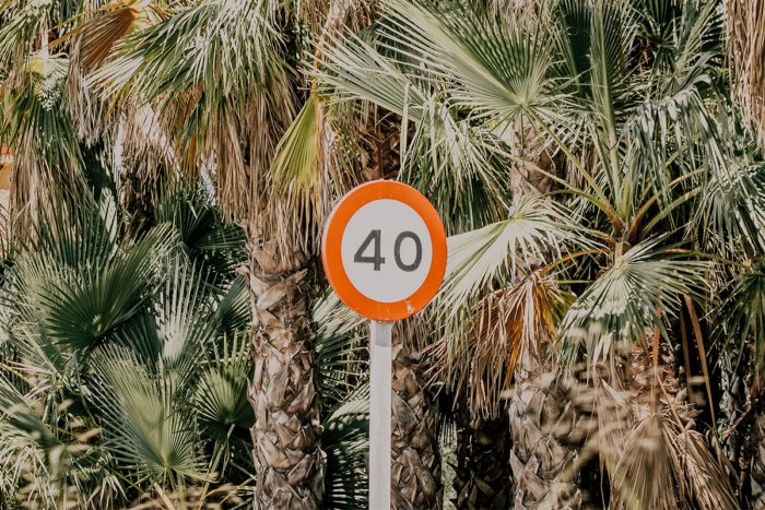 Почему говорят «сорок», а не «четыредесят»?