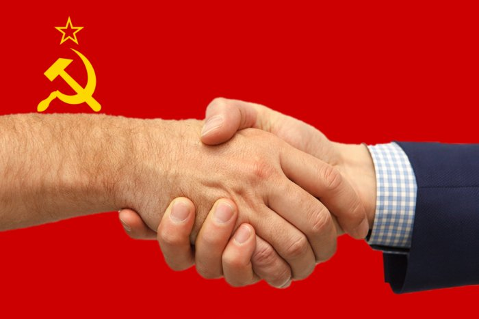 Почему в СССР боролись с рукопожатиями