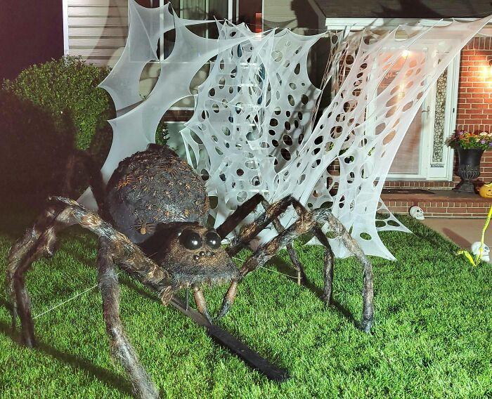 Самые крутые хэллоуинские декорации домов 2020 года