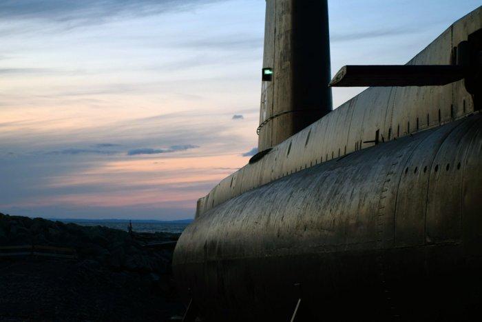 А что будет, если подводная лодка перевернется под водой?